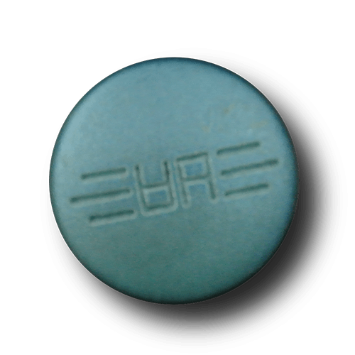 Türkis-blau changierende Metallknöpfe