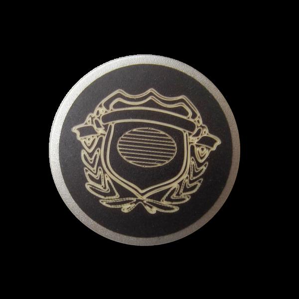 Braun silberfb. Metall Knopf mit naturweißem Wappen