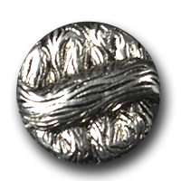 Silberfarbener Metallknopf in interessantem Design