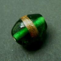 Handgearbeitete grüne Glasperle
