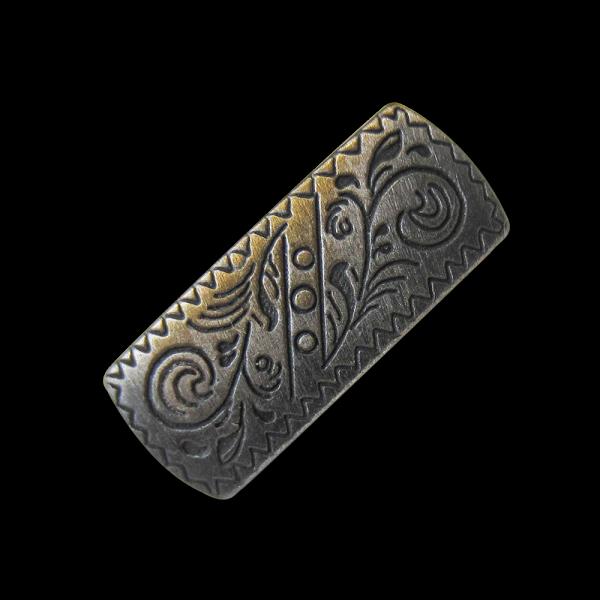Rechteckiger Metall Ösen Knopf mit filligranem Muster