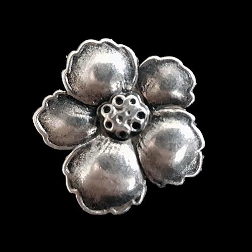 www.knopfparadies.de - 1624as - Hübsche Metallknöpfe wie Blüten / Blumen