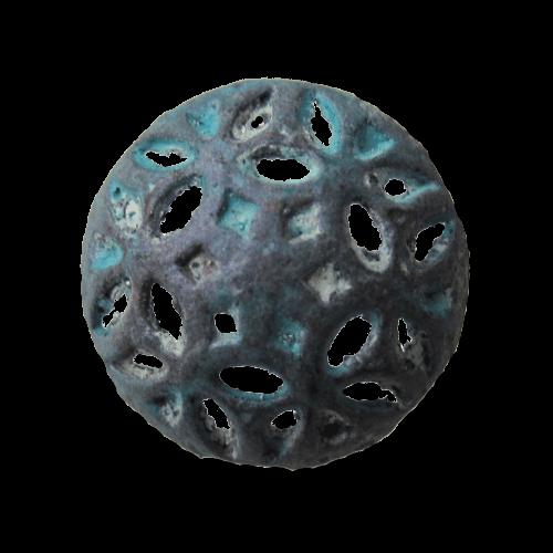 Besonderer grün patinierter Metall Knopf mit Durchbruch