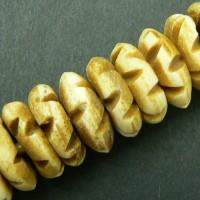 15 Beinerne Rondell-Perlen