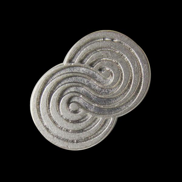 Ausgefallener kleiner matt silberfb. Metall Knopf