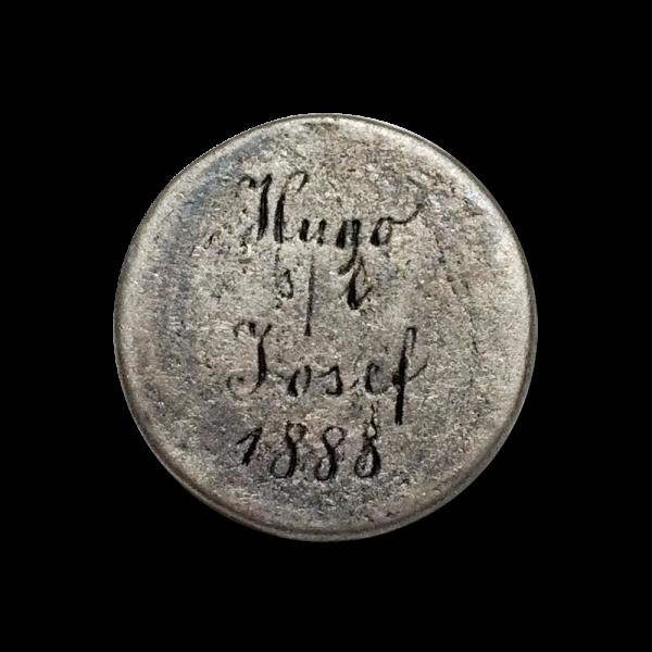 Antik wirkender Metall Knopf Hugo s / l Josef 1880