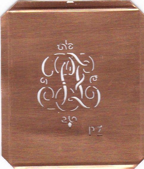 www.knopfparadies.de - PZ-sch-556 - Hübsche alte, kleine Monogrammschablone PZ